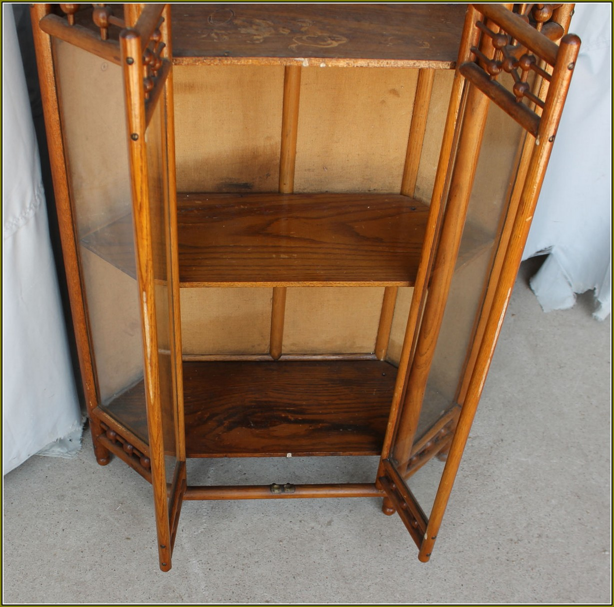 Antique Curio Cabinets Corner